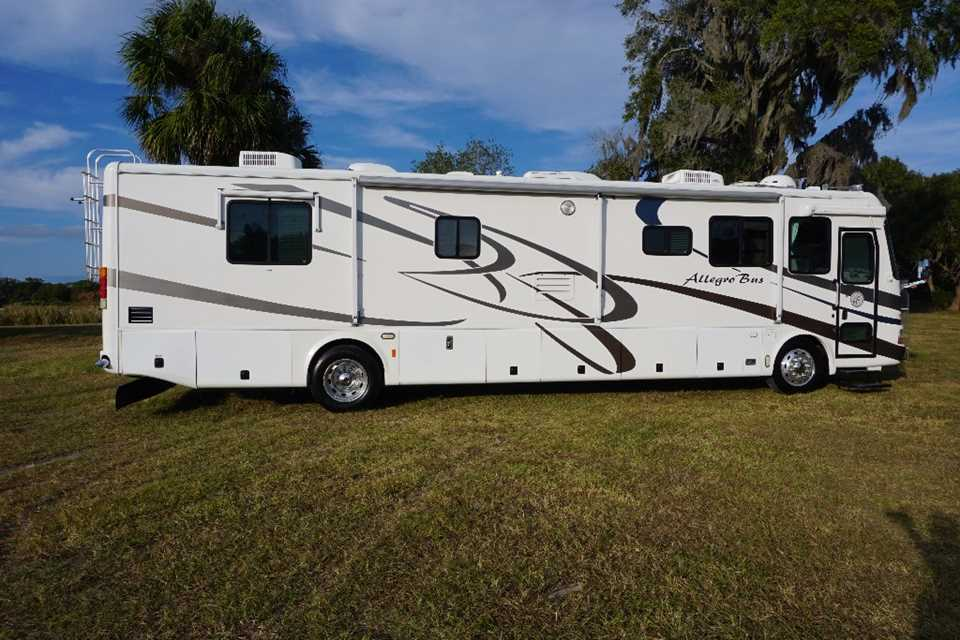 Awesome 2003 Tiffin Allegro Bus 40DP Motorhome Stock  5058 For